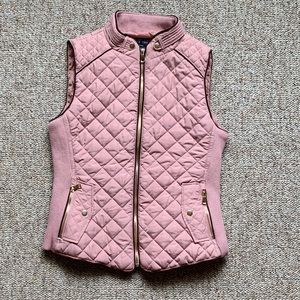 Love tree vest. Pink with brown piping